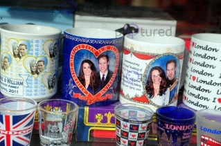 Prince-William-Kate-Middleton-Royal-Wedding-Memorabilia-on-sale-in-London-ALR-4626